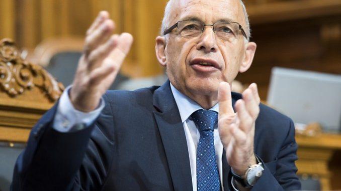 Finanzminister Ueli Maurer ruft den Ständerat vergeblich dazu auf, auch bei den Direktzahlungen in der Landwirtschaft zu sparen. Bild Key