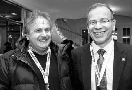 Sind alte Fussballer-Buddies: Heinz Looser vom VC Kanti hofft auf mehr Optimismus, und Ständerat Hannes Germann wünscht sich eine florierende Wirtschaft und dass der FC Schaffhausen aufsteigt.