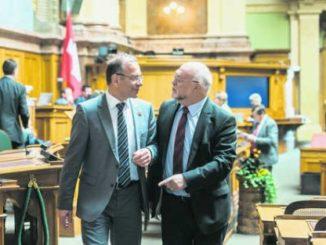 Hannes Germann (links) und Ruedi Lustenberger haben entschieden, welcher Rat das Geschäft zuerst berät.Bild Key