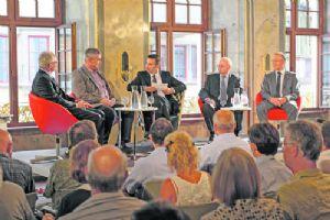 Radio Munot: Politik im Saal