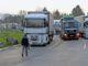 Beinahe täglich stauen sich frühmorgens die Lastwagen vor dem Thaynger Zoll auf deutscher Seite über einen Kilometer. Sollte die Zollstelle in Bargen tatsächlich geschlossen werden, dürfte sich die Situation noch verschärfen. Bild Selwyn Hoffmann