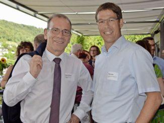Hannes Germann (l.) und Stephan Schüle sagen am Jubiläumsfest allen Beteiligten Danke. Bild Franziska Bartel
