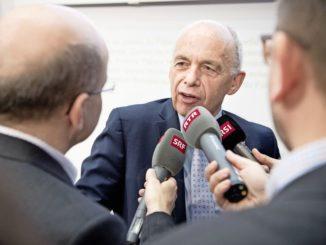 Finanzminister Ueli Maurer während der Medienorientierung. Ihm droht Widerstand von links und von rechts.Bild Key