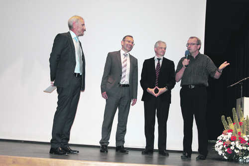Michael Stäuble mit den Ständeräten Hannes Germann und Thomas Minder sowie Nationalrat Hans-Jürg Fehr (von links).