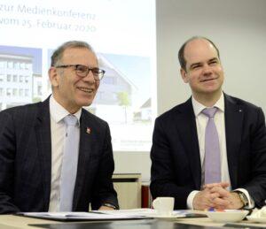 Sind mit dem Abschluss 2019 zufrieden: Verwaltungsratspräsident Hannes ¬Germann (l.) und Bankleiter Beat Stöckli. BILD ZENO GEISSELER