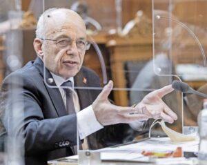 «Wir verteilen zum ersten Mal in der Geschichte der Schweiz einfach so Geld»: Finanzminister Ueli Maurer. BILD KEY